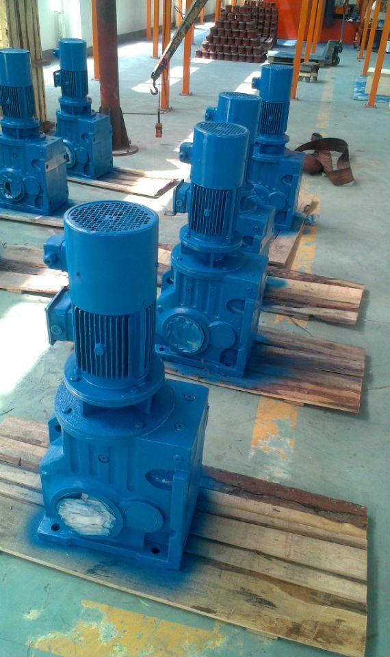 K37系列螺旋锥齿轮减速机